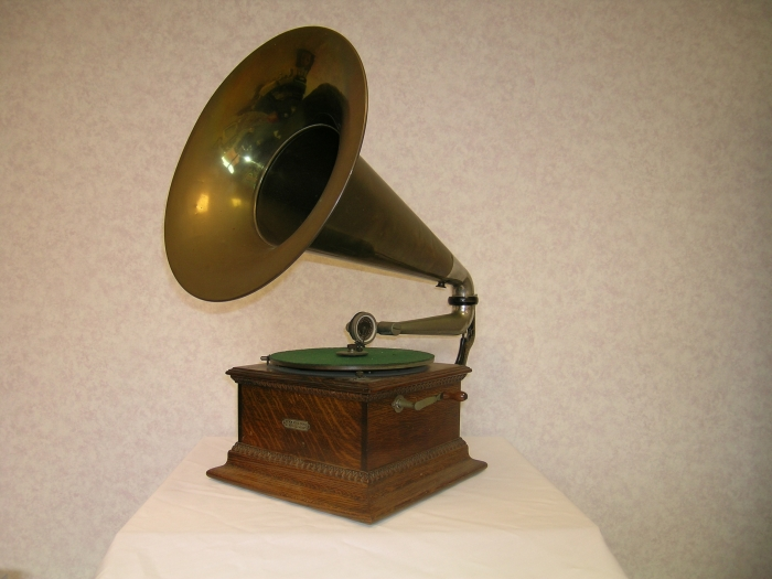 The second Gramophone in our #EMIGramophones series is: The Junior Monarch Gramophone. #music #vintage #heritage
