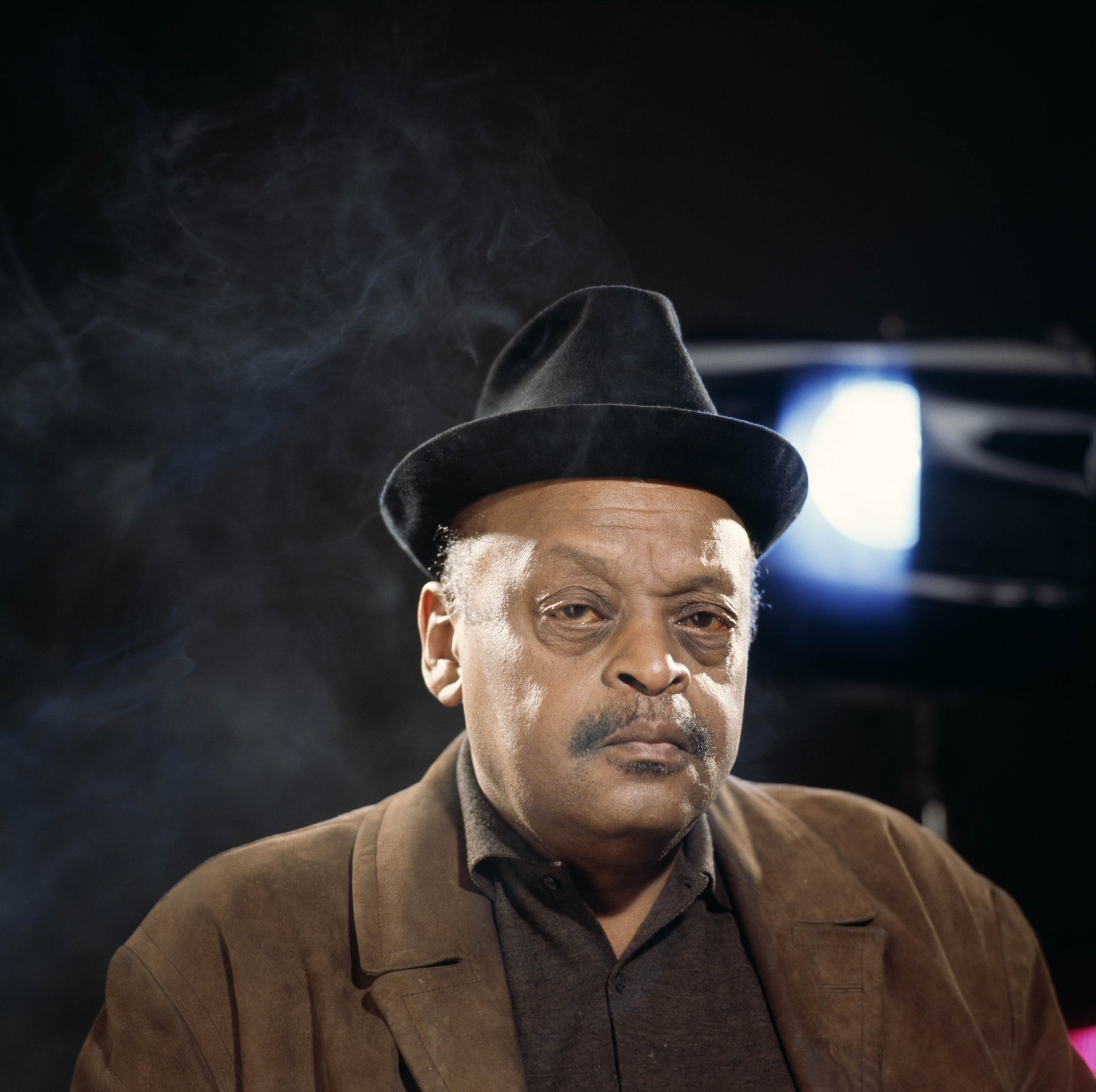 Ben Webster together with Alex Riel likewise Falling in Love with Love likewise Ben Webster furthermore Avance Alpha 220 2 Way Speaker. on oscar peterson trio live at denmark