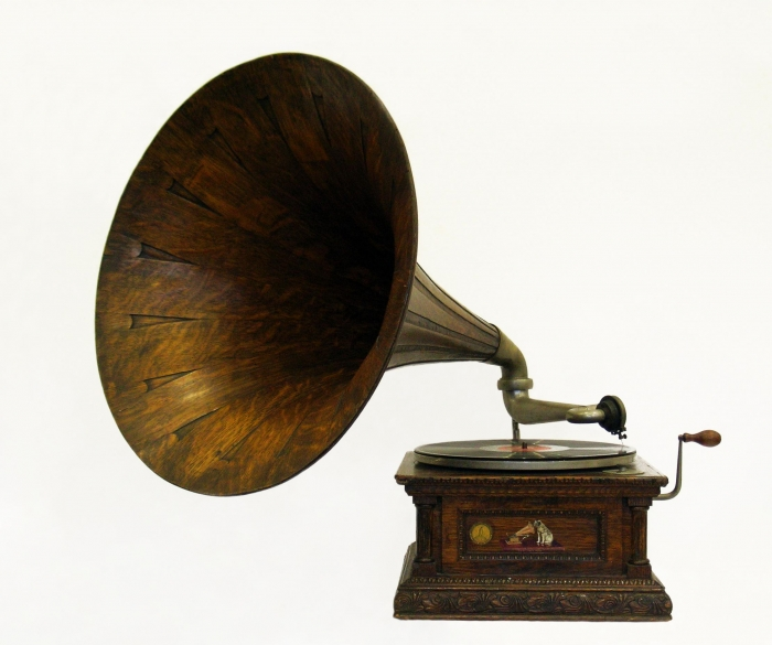 One of our most treasured pieces. This Gramophone has been to the Antarctic and back over the last 100 years - It's the Monarch Senior model, taken by Captain Scott and his team on the Tera Nova expedition to the South Pole. #music #vintage #heritage