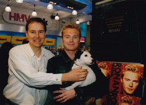 Nippey with Ronan Keating at the HMV Oxford Street opening in 2000