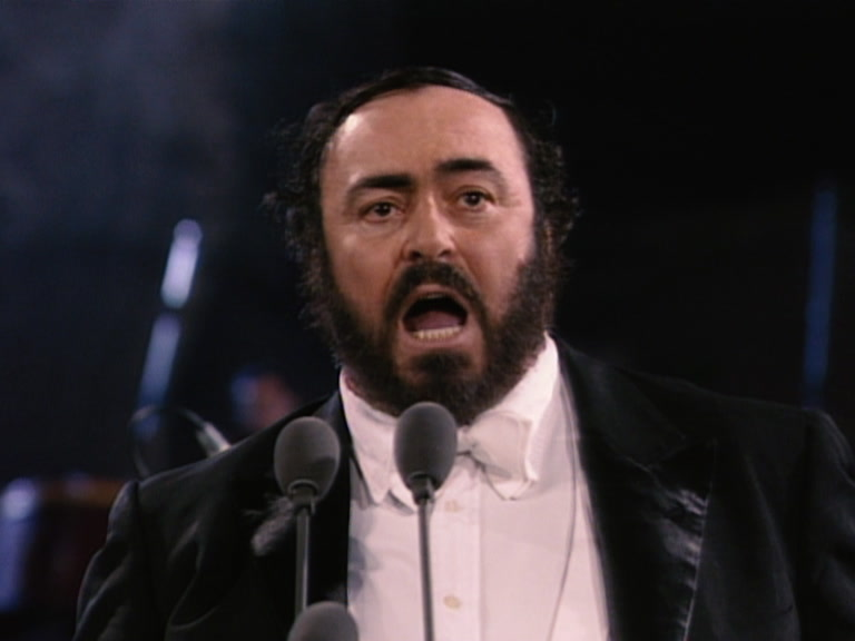 Pavarotti singing Nessun Dorma